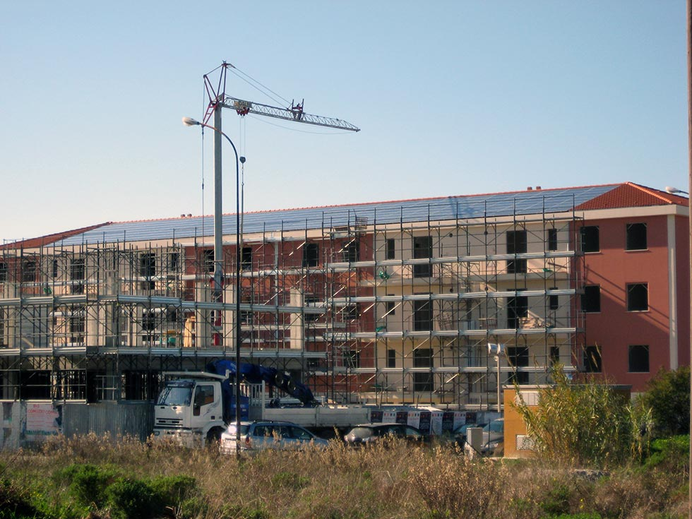 12 impianti fotovoltaici da 2,960 KWp. cadauno realizzati a Vittoria, in provincia di Ragusa (RG)