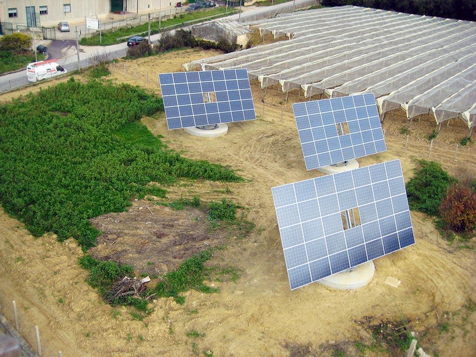 Impianto fotovoltaico ad inseguimento a doppio asse