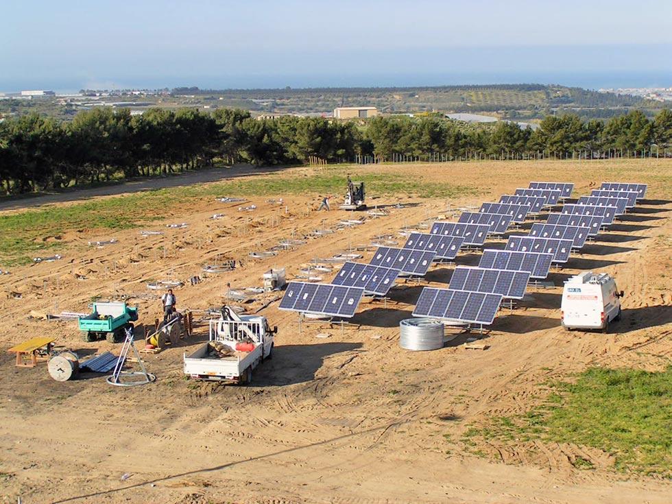 Impianto fotovoltaico ad inseguimento ad un asse