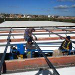 Montaggio e fissaggio della struttura per l'installazione dell'impianto fotovoltaico