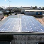 Impianto fotovoltaico installato sul tetto di un edificio a Ragusa (RG)